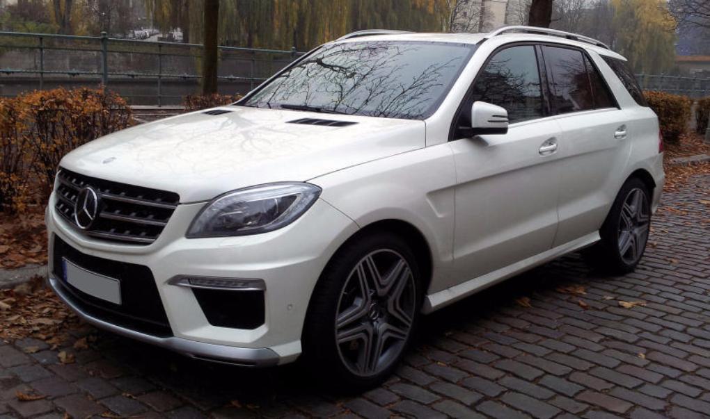 Наюге столицы угнали Mercedes за4,5 млн. руб.
