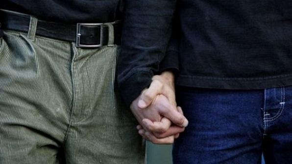 Два гея занялись сексом навиду увсех вмосковском дворе