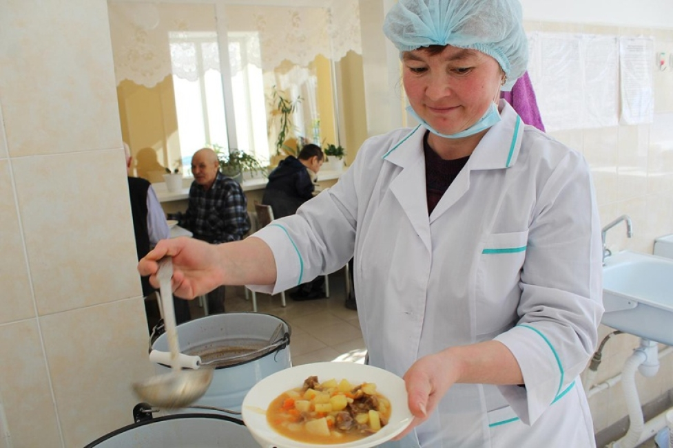 Некачественная еда и большие деньги: в Башкирии отстранят картель от больничного питания