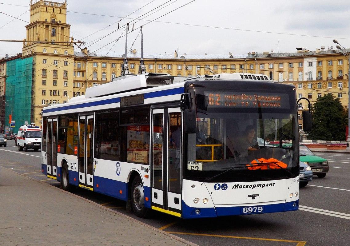 В столице сдороги вылетел троллейбус спассажирами