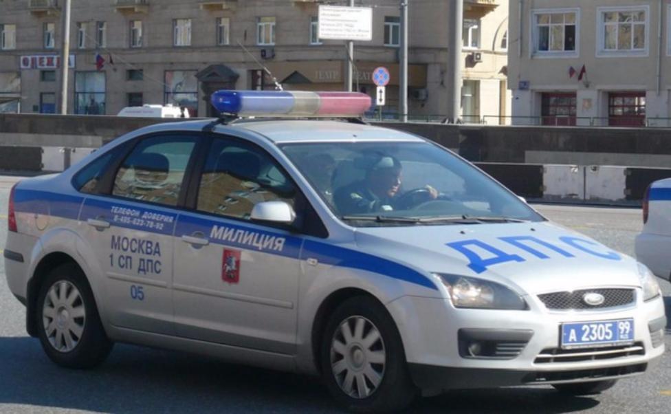 Впроцессе ДТП при участии 2-х иномарок настоличном МКАД пострадала женщина