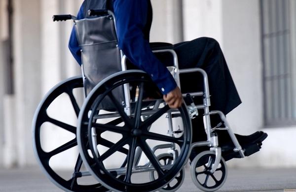 Вквартиры срасширенными коридорами расселят врамках реновации инвалидов-колясочников