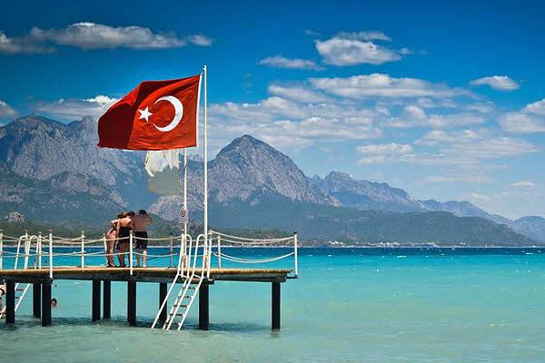 Турецкие СМИ докладывают  осмерти жителя России  водном изкурортных отелей