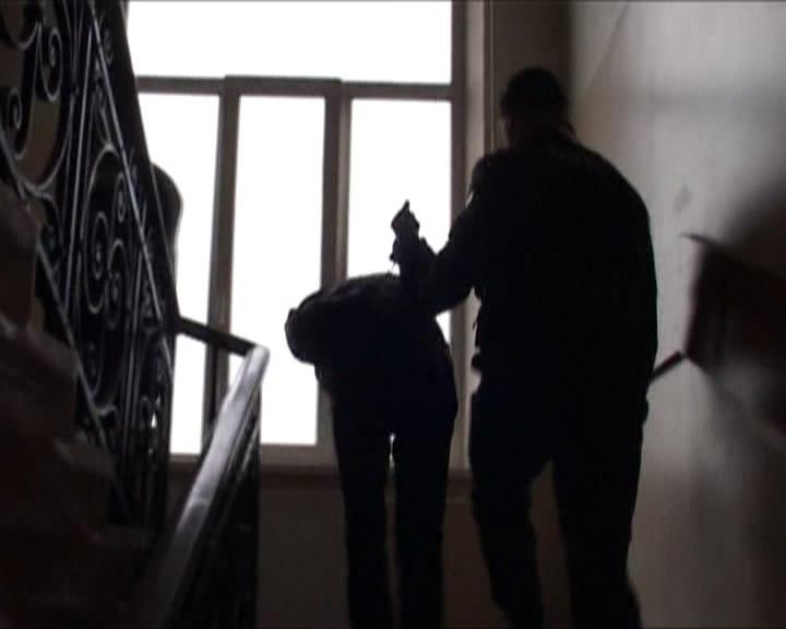 В столице схвачен мужчина, стрелявший изружья вподъезде жилого дома