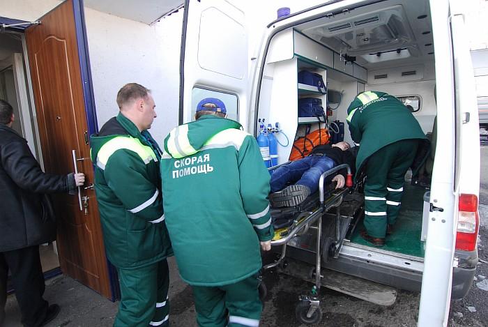 ВБалашихе cотрудники экстренных служб оказали помощь мужчине, упавшему вшахту лифта