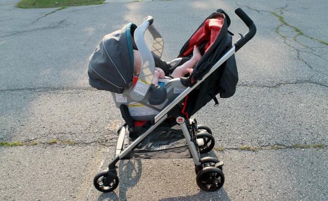 В столице неизвестный сделал попытку украсть уженщины малыша
