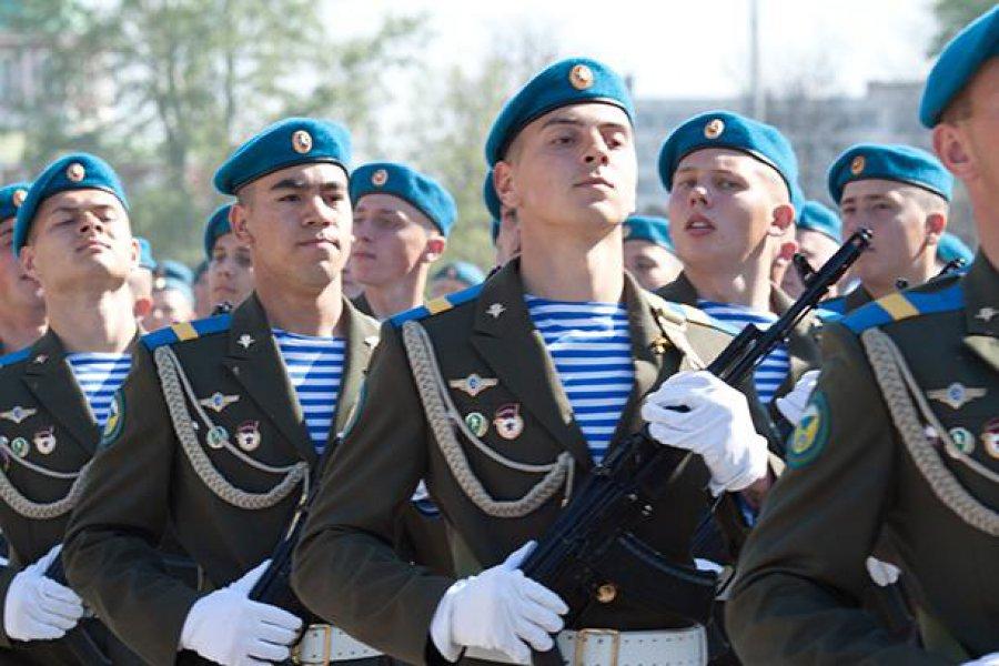 Сердюков может возглавить Воздушно-десантные войска