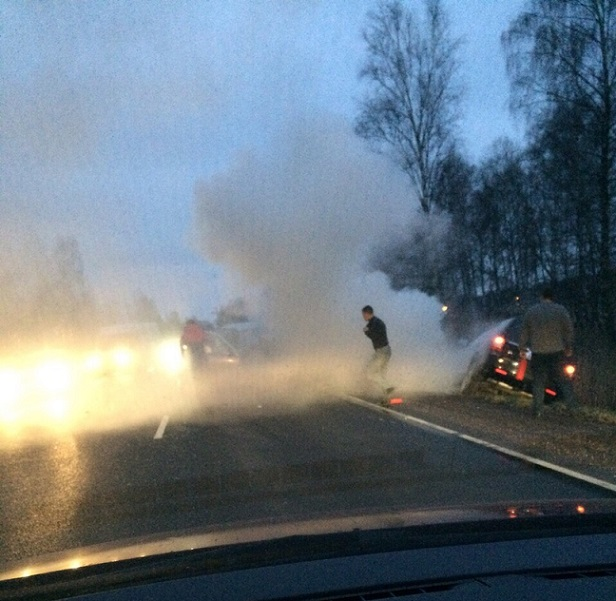 На трассе Москва-Дубна в ДТП с двумя автомобилями погибли два человека