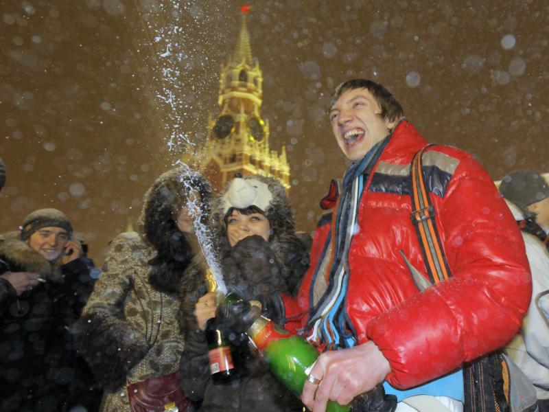 Шампанское запретят проносить впарки вновогоднюю ночь