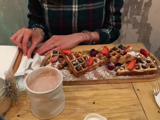 Кафе вцентральной части Москвы закрыли после заболевания гостей