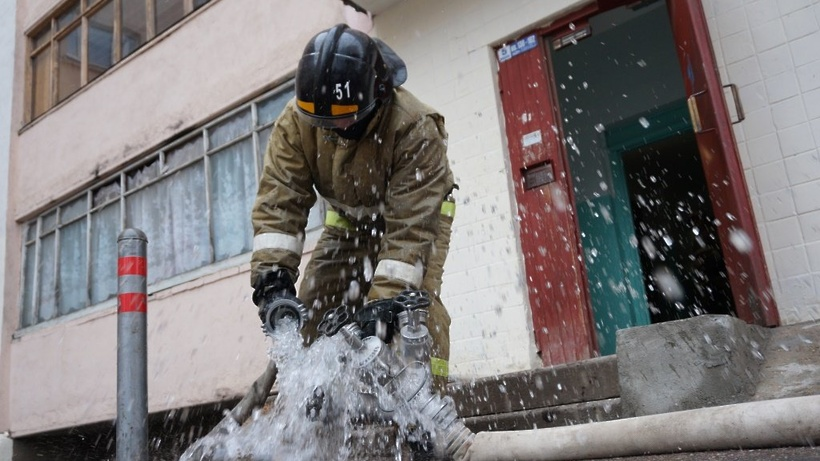 Один человек пострадал впожаре вмосковской квартире