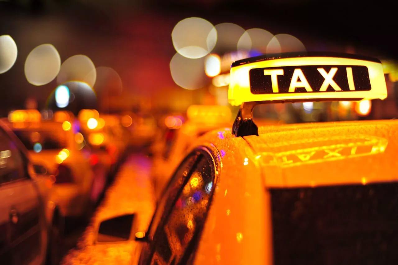 В столицеРФ изменяются правила работы таксистов
