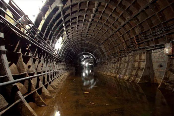 В российской столице грунтовые воды могут затопить 15 станций метро