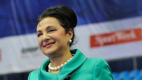 Кабаева пришла кВинер вкоролевском одеяние