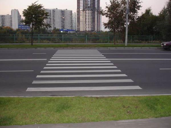 Автомобиль насмерть сбил пешехода наКутузовском проспекте в столицеРФ
