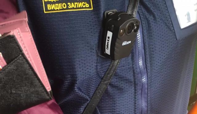 Контролерам столичных электричек раздали видеорегистраторы