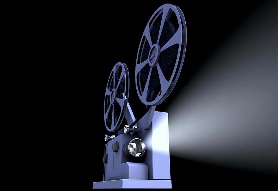 В столице  начали работу летние передвижные кинотеатры