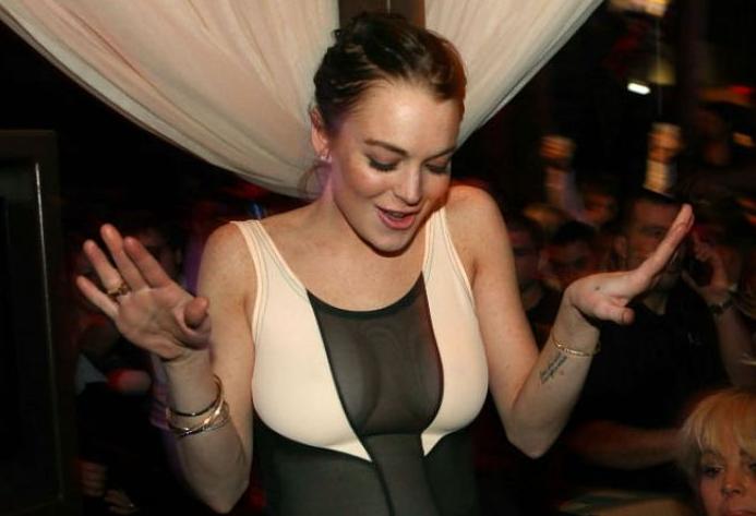 Линдси Лохан устроила скандал вмосковском клубе «Квартира»