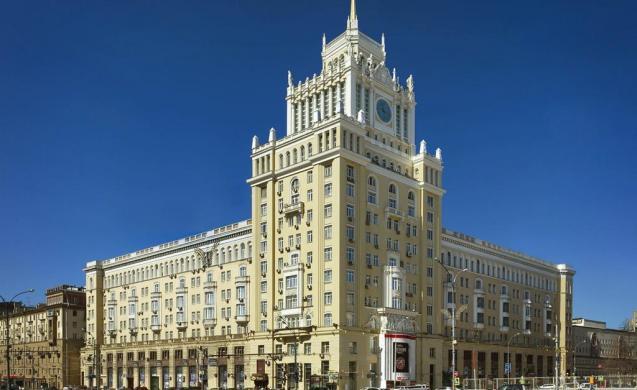 В столице России банкир иинженер разгромили кабину лифта вгостинице «Пекин»