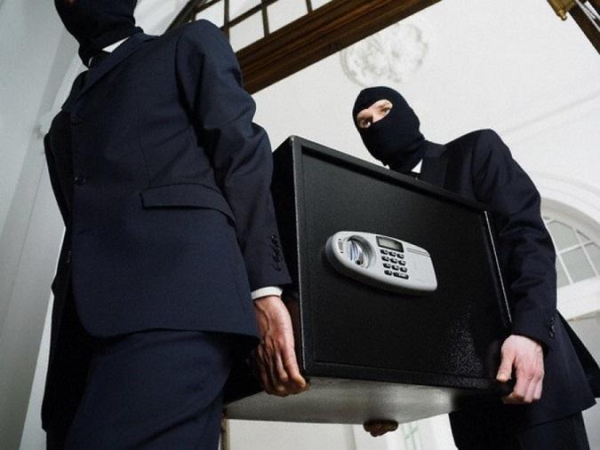 Сейф весом 100кг похитили изофиса вцентральной части Москвы