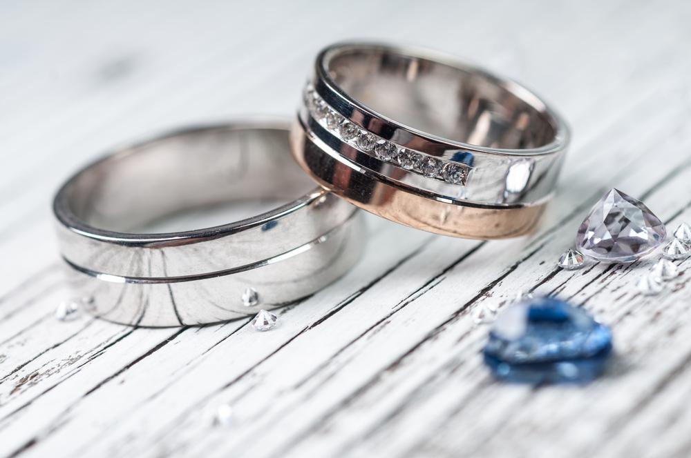 Жительница Канады вышла замуж засаму себя