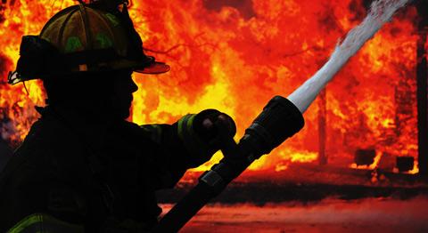 В столице России локализовали пожар нарынке «Мельница»