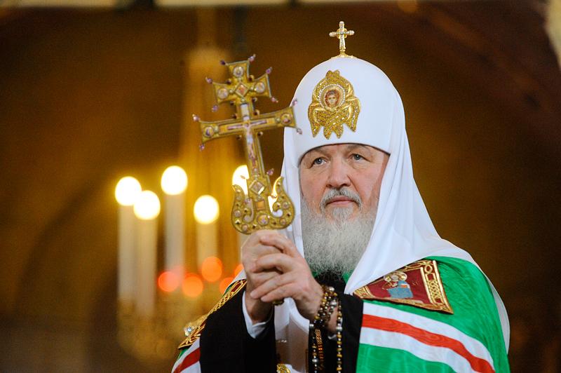 Патриарх Кирилл поздравил верующих сРождеством Христовым