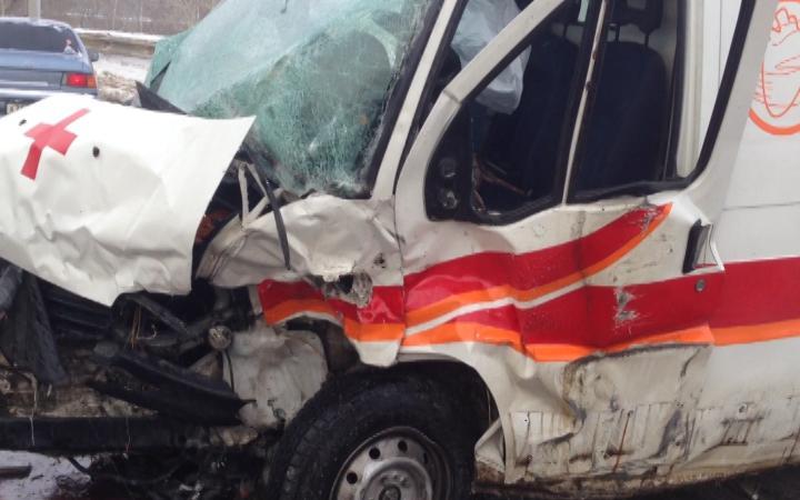 В столице России столкнулись два автомобиля скорой помощи