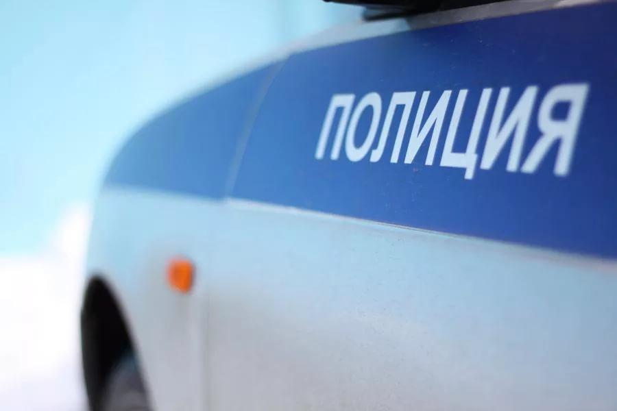 Милиция ищет человека ввоенной форме, который напал нааптеку в российской столице