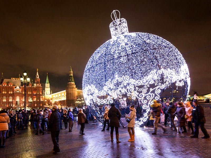 Москвичей ждет теплая новогодняя ночь