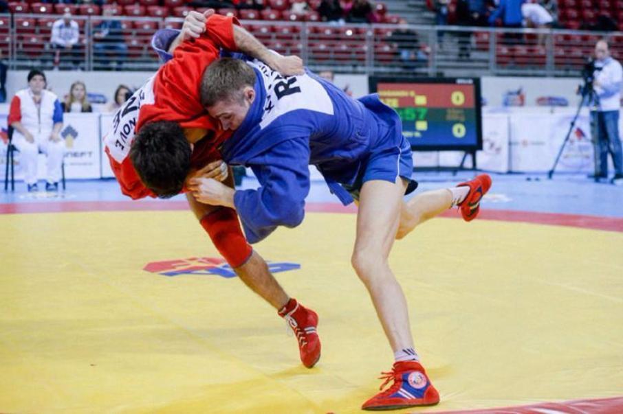 Русские самбисты завоевали очередные золотые медали наЧМ вСофии