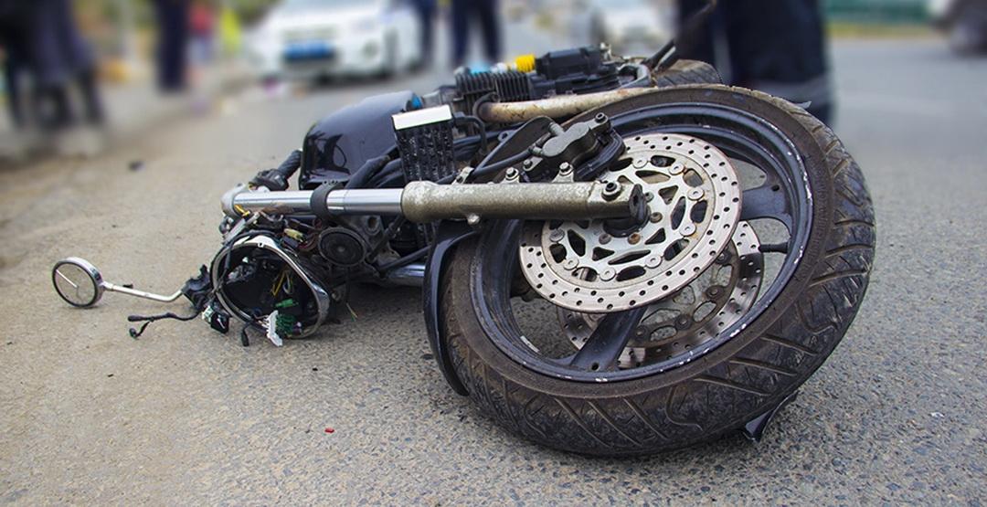 Мотоциклист пострадал, аего пассажир умер вДТП наТТК в столицеРФ