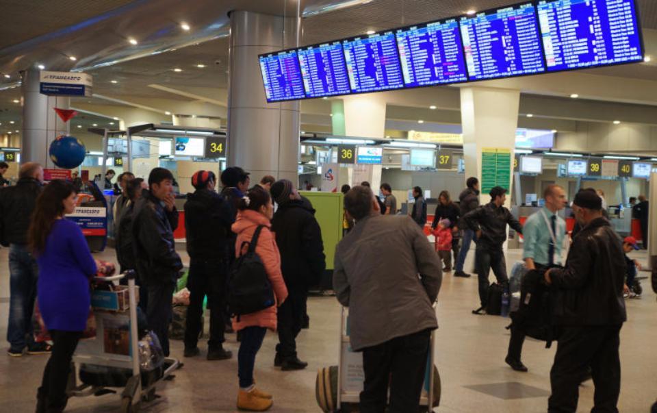 Неменее 80 рейсов задерживается в столичных аэропортах