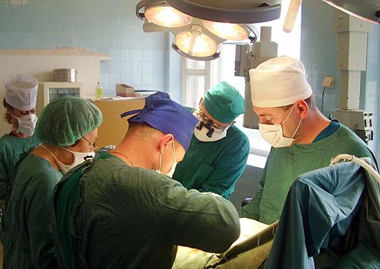 Военный госпиталь Вишневского принимает пострадавших вавтомобильных авариях жителей