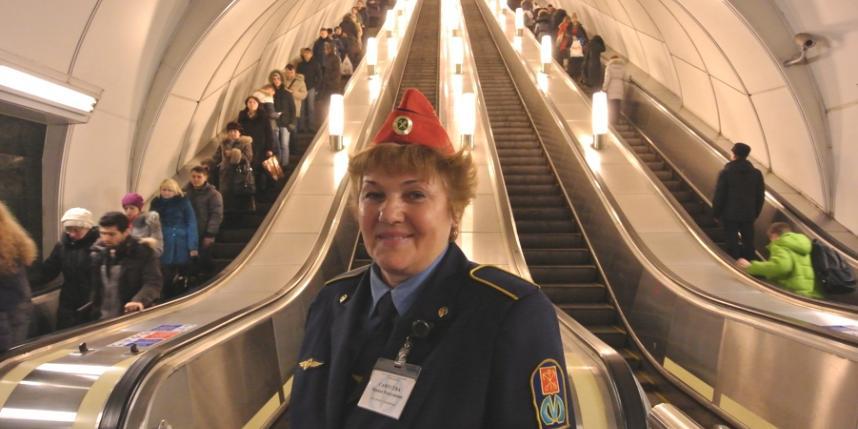 Вмосковском метро сократят 2 тысячи дежурных уэскалаторов