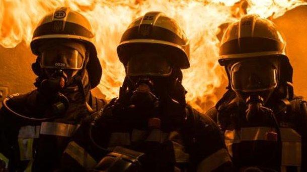 Двоих человек  спасли вовремя пожара в помещении  СВР встолице