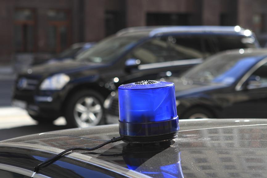 В Москве водитель VIP-авто с правительственными номерами и спецсигналами сбил пешехода