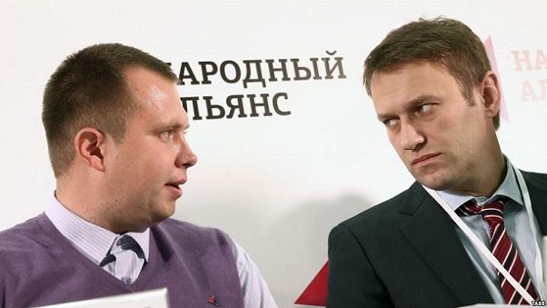 Нападение наНиколая Ляскина, руководителя штаба Алексея Навального, могло быть инсценировкой