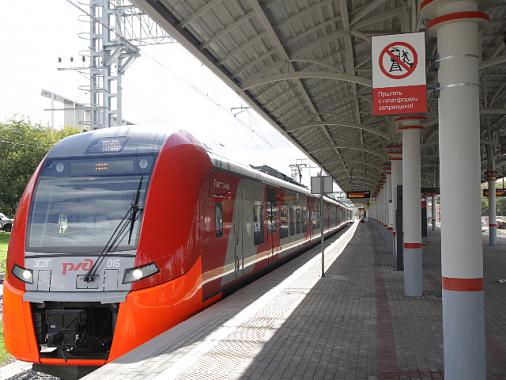 Пассажиры смогут самостоятельно открывать двери «Ласточек» наМЦК