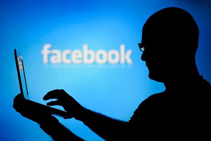 Социальная сеть Facebook  оплатил  российскому хакеру 40 тыс долларов за свою  ошибку
