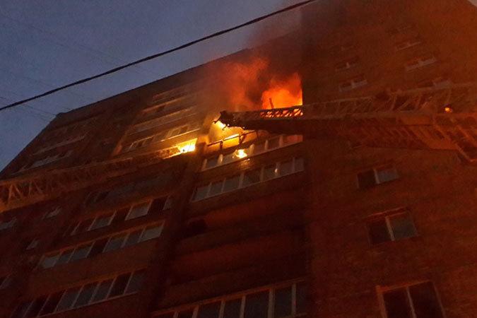 Два человека пострадали впожаре наюге столицы
