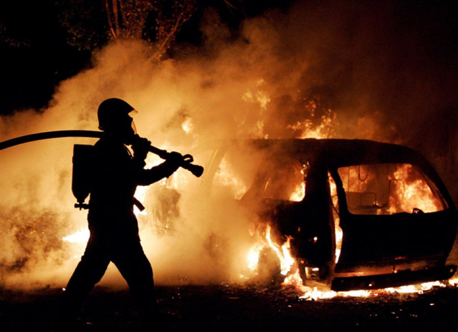 Насевере столицы загорелось три автомобиля