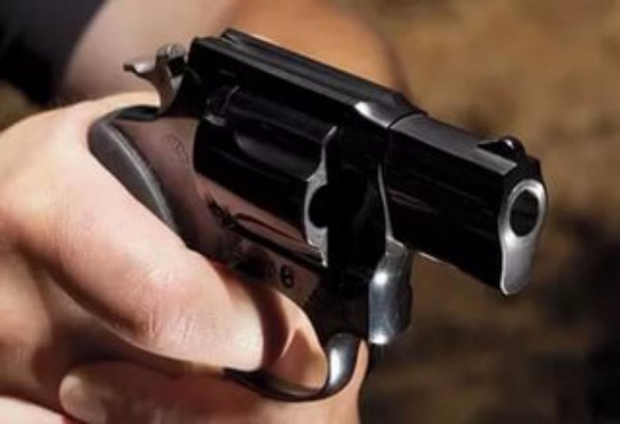 Столичная милиция ищет стрелявшего помашинам краской хулигана