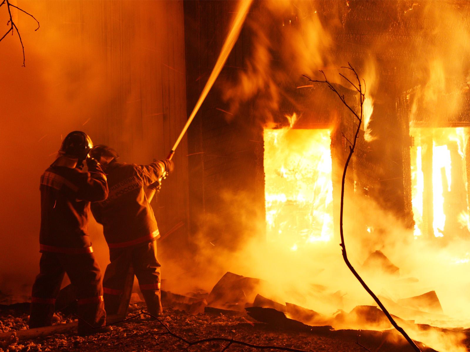 Пожар наскладе навостоке столицы локализовали