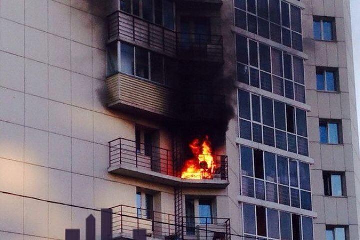 Cотрудники экстренных служб вытянули 5 человек изпожара наюго-западе столицы