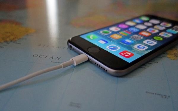 14-летняя школьница уронила телефон вванну ипогибла отудара током