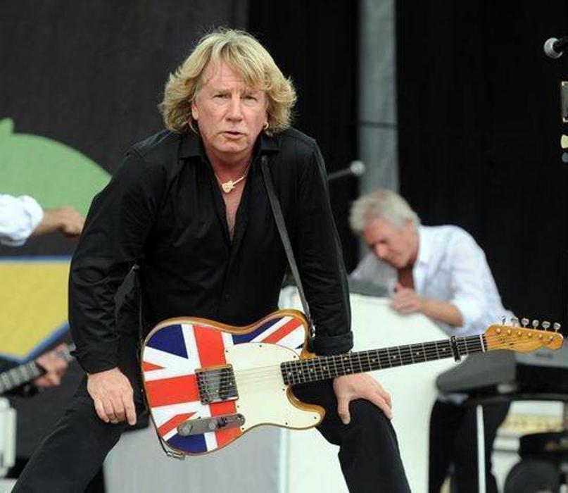 Скончался гитарист группы Status Quo Рик Парфитт