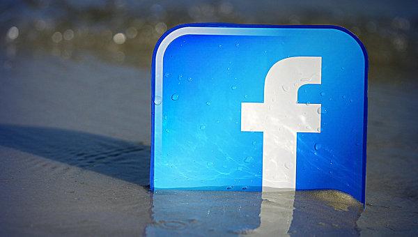 Facebook будет принудительно показывать рекламу