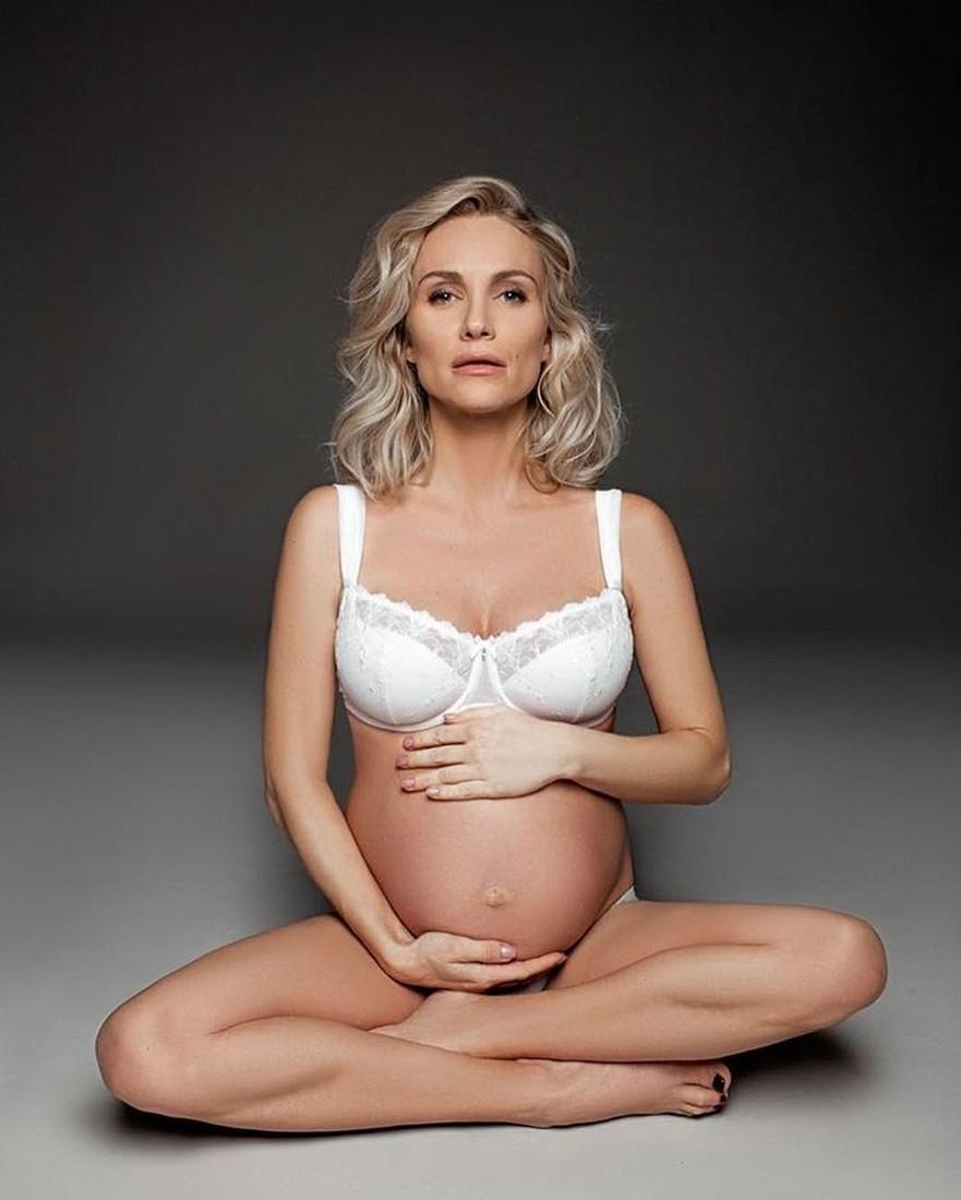 Катя Гордон едва не скончалась при родах, утратив неменее 4 литров крови
