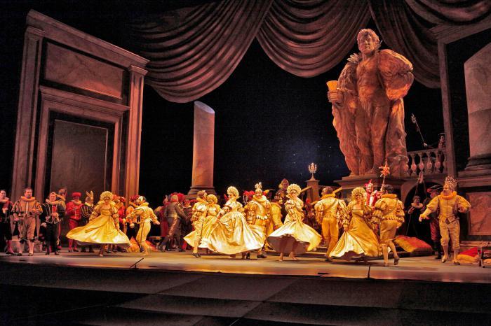 Строительство подземной части театра имени Чехова окончено